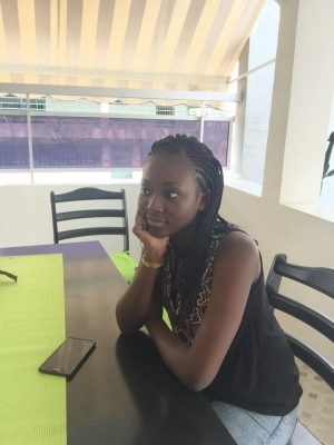 Ennuyée, je me décide à visiter Abidjan