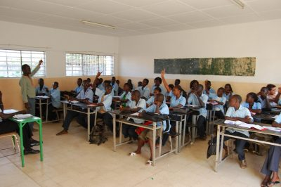 Une salle de classe et des élèves éducation